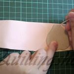 2. Воспользовавшись зубочисткой обвести контур шаблона