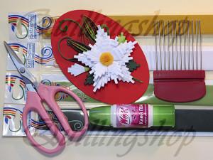 Необходимые материалы и инструменты для изготовления белого цветка на гребне в технике петельчатый квиллинг