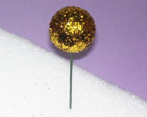 Новогодний шарик в технике объемный квиллинг