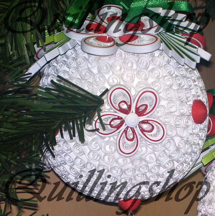 Christmas ball (3-D quilling)