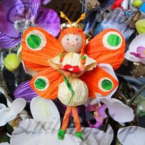 Бабочка из бумажных веревочек (твистарт)