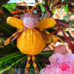 Пчелка из бумажных веревочек (твистарт)