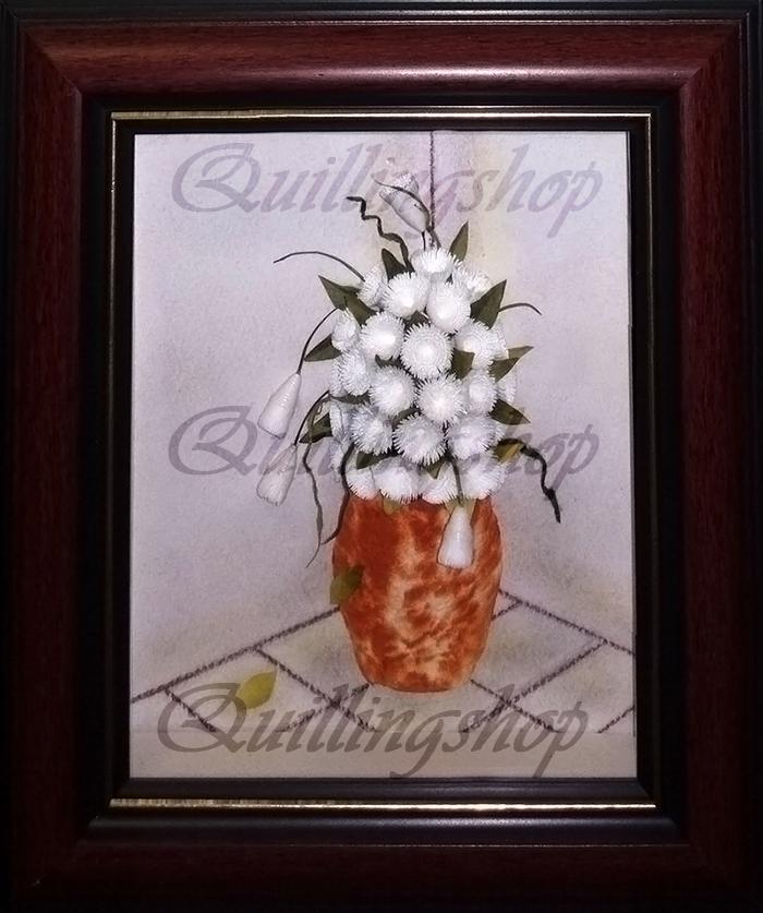 """Картина """"Белые цветы в вазе"""" в технике квиллинг. Работу выполнила Ольга Власова (компания QuillingShop ™)"""