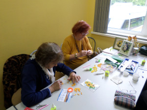 "In the process of creating quilling a sunflower on a master class in the Social Service Center ""Orekhovo-Borisovo North"""